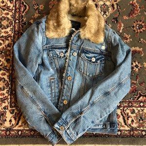 A&F Denim Jacket with Faux Fur Collar NWT